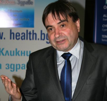 Доц. Димитър Калев: Нови стандарти дават шанс за по-добро лечение на рак на бял дроб и гърда