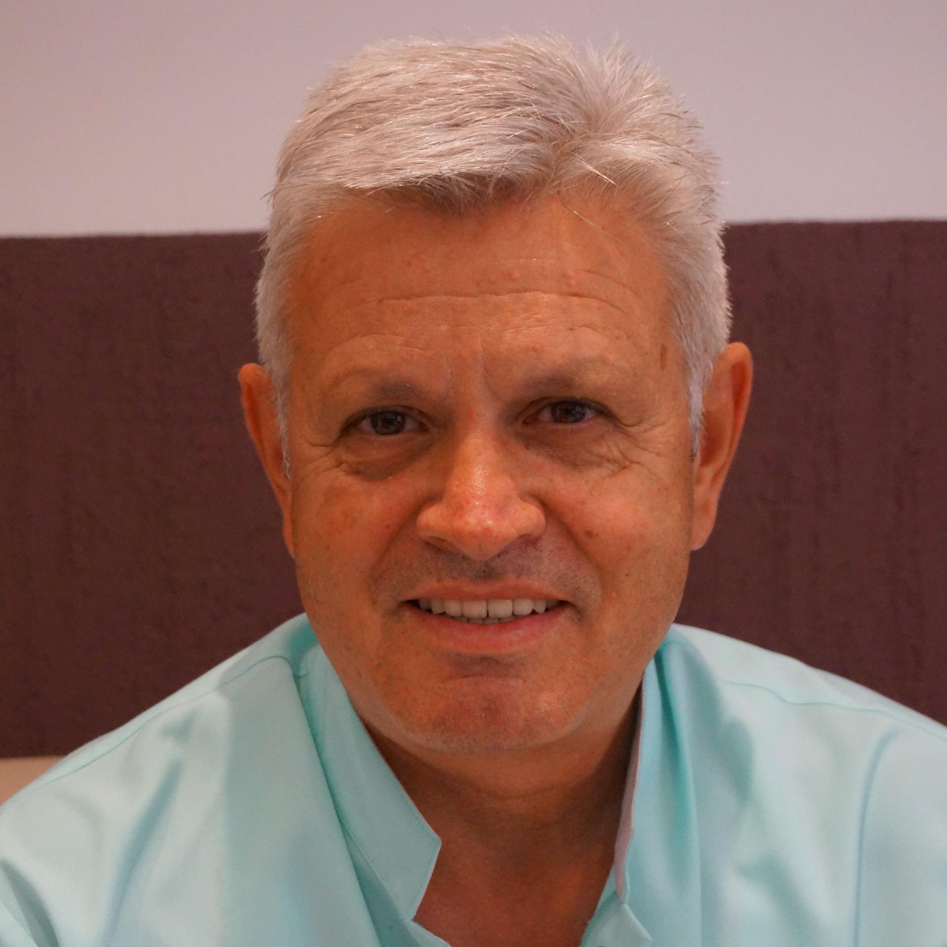 д-р Илиян Цеков